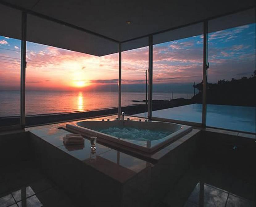 красивые окна в частном доме