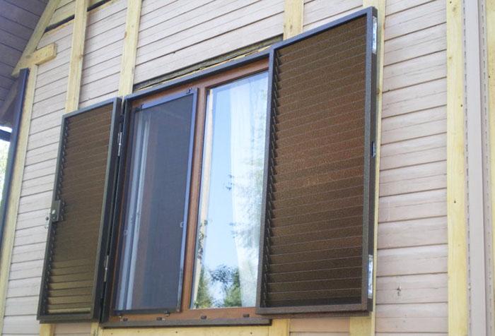 Металлические жалюзи на окна: какие лучше?